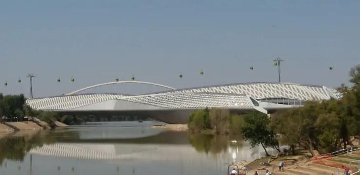 جسر الجناح في سرقسطة الإسبانية (2008)