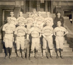 95-105-22 Baseball Team Youngstown District