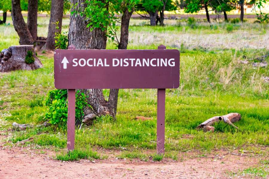 Pastreaza distanța socială