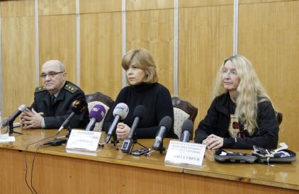 Ministry of Defense rep with Dr. Olga Bogomolets and Dr. Ulana Suprun. Photo: MoD