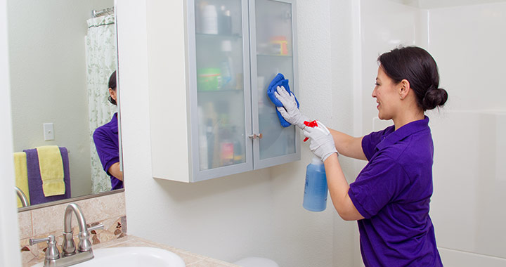 How to Clean Your Medicine Cabinet