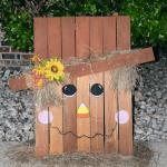 scarecrow fall decoration