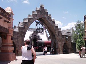 Entrance to The Wizarding World of Harry Potte...