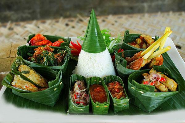 Balinese seafood RIJSTTAFEL 600
