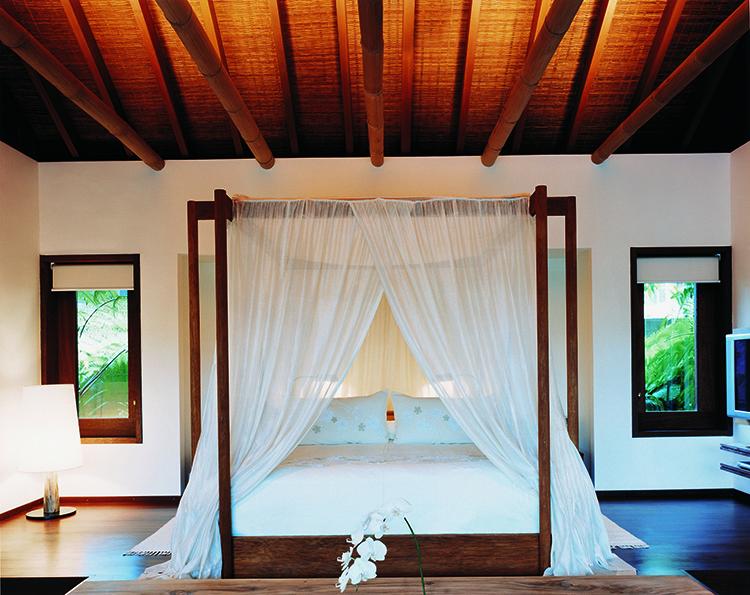 44182813-h1-1br_retreat_villa_bedroom-750