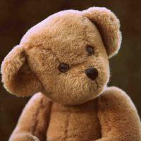 Teddy-Demo für Kita-Öffnung und mehr Schule
