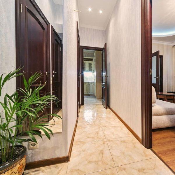 Плитка для пола в коридор: 15 фото