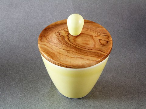 Yellow Porcelain Cup — Olive Wood Lid