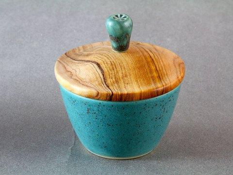 Bronze Green Porcelain Cup — Olive Wood Lid