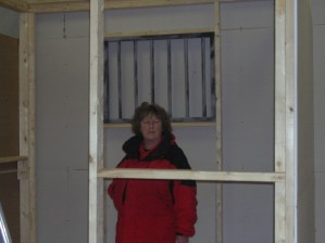 Louise in the beginnings of the construction of cell 5.