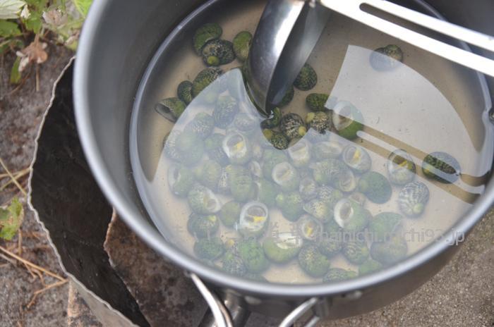 毎朝の習慣になりつつある、貝の味噌汁作り