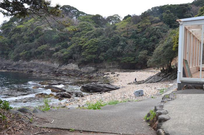 静岡県の菖蒲沢(しょうぶざわ)海岸