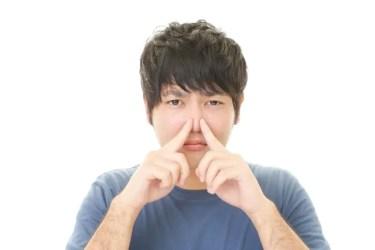 鼻にできたニキビが痛いのはなぜ?原因と予防法を紹介!