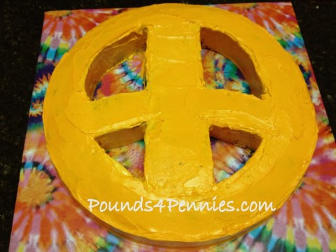How to crumb coat tie dye cake Peace sign cake