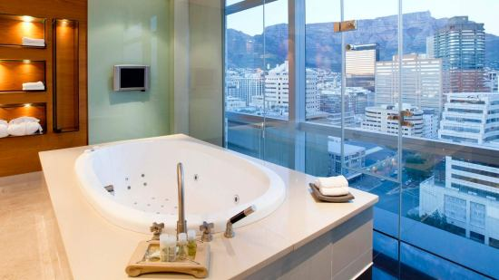 Executive Suite Bath (SPG)