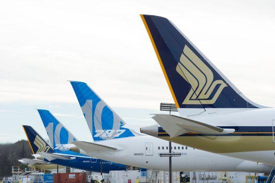 SQ 787-10 Tailfins CHS (Singapore Airlines)