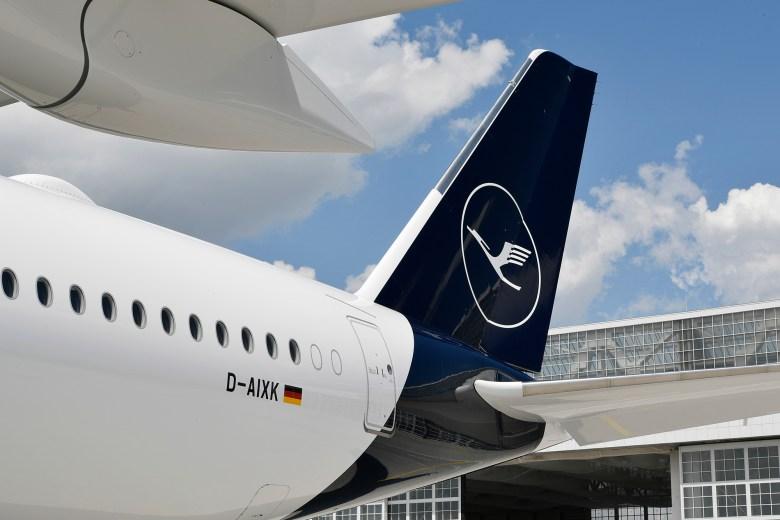 LH A359 Tail (Lufthansa Group)