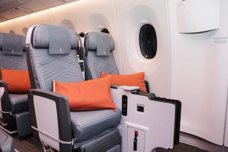 2018W A350ULR Seats 31AC.jpg