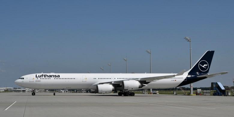 LH A346 (Lufthansa Group).jpg