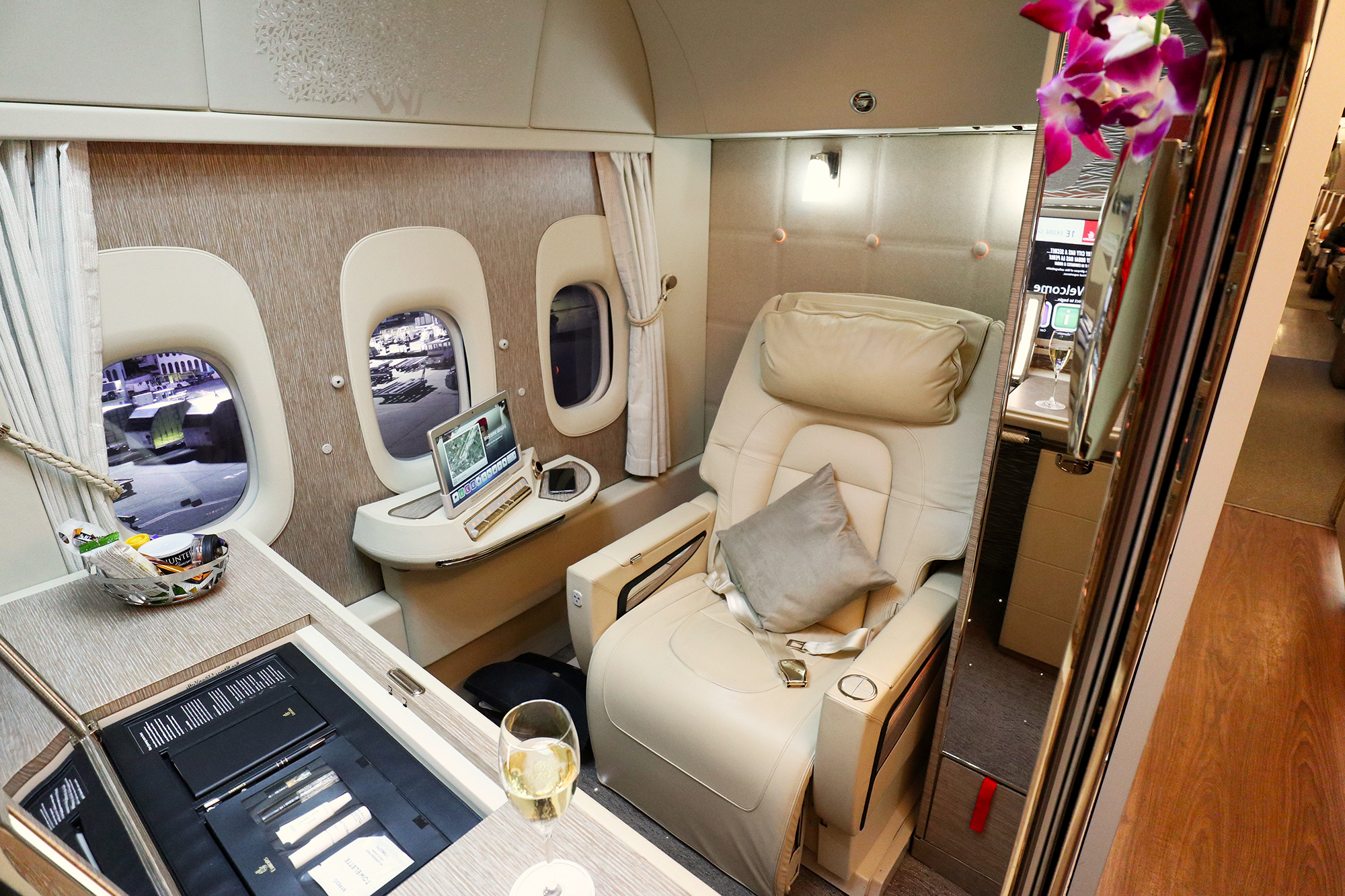 Review: Emirates New 777-300ER First Class Suite