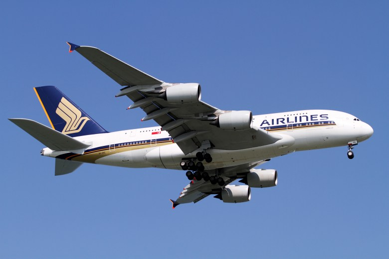 SQ A380 Standard (Kentaro Iemoto).jpg