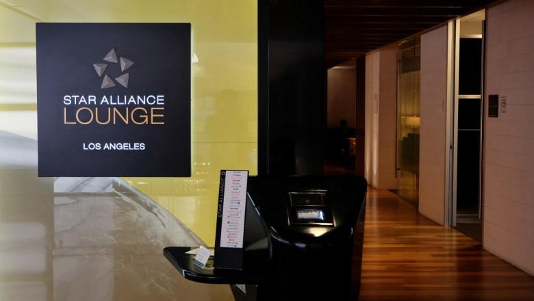 Star Alliance LAX Lounge Sign (Matt@TWN).jpg