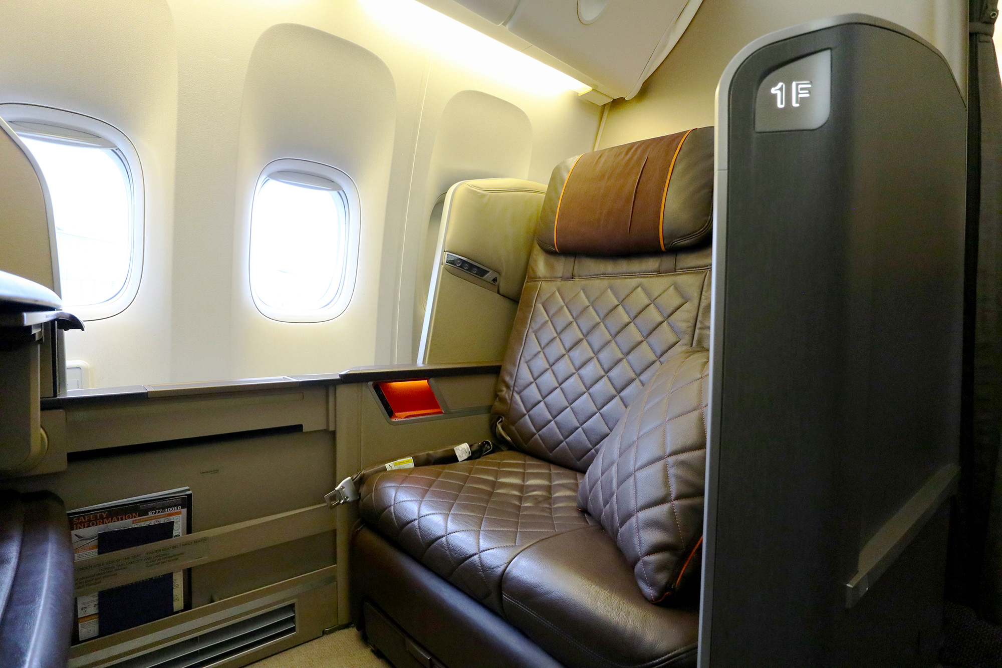 Singapore Airlines First Class seat and Suite types by route to ...