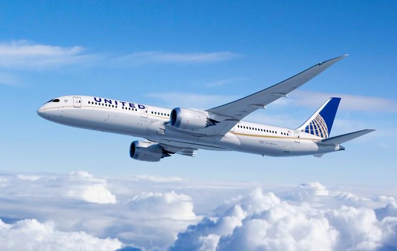 UA 789 (Boeing).jpg