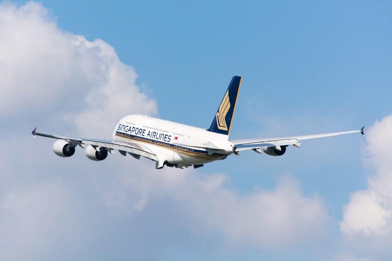 SQ A380 (Peter Russell).jpg