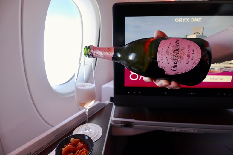 Rose Champagne Pour