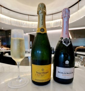 Champagnes Square