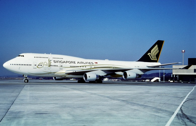 SQ 744 50th (Aero Icarus)