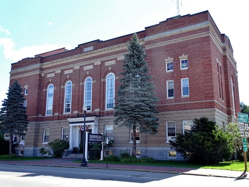 skowhegan-maine-municipal-building-opera-house