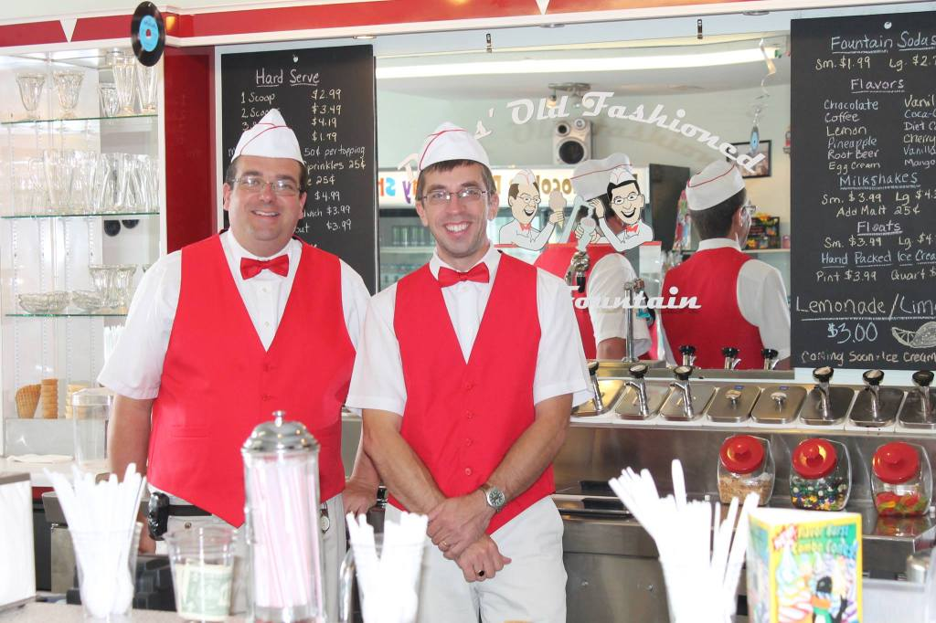 Belfast-Maine-Candy-Shop-Ice-Cream-00