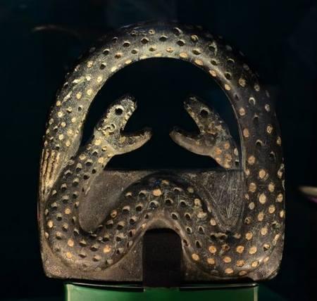 Slangenamulet uit Soch (Nationaal Historisch Museum van Oezbekistan, Tasjkent)