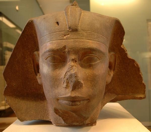 Ceci n'est pas un roi: Djedefre (Louvre)
