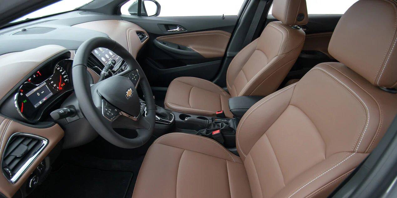chevrolet-cruze-premier-hatchback-interior