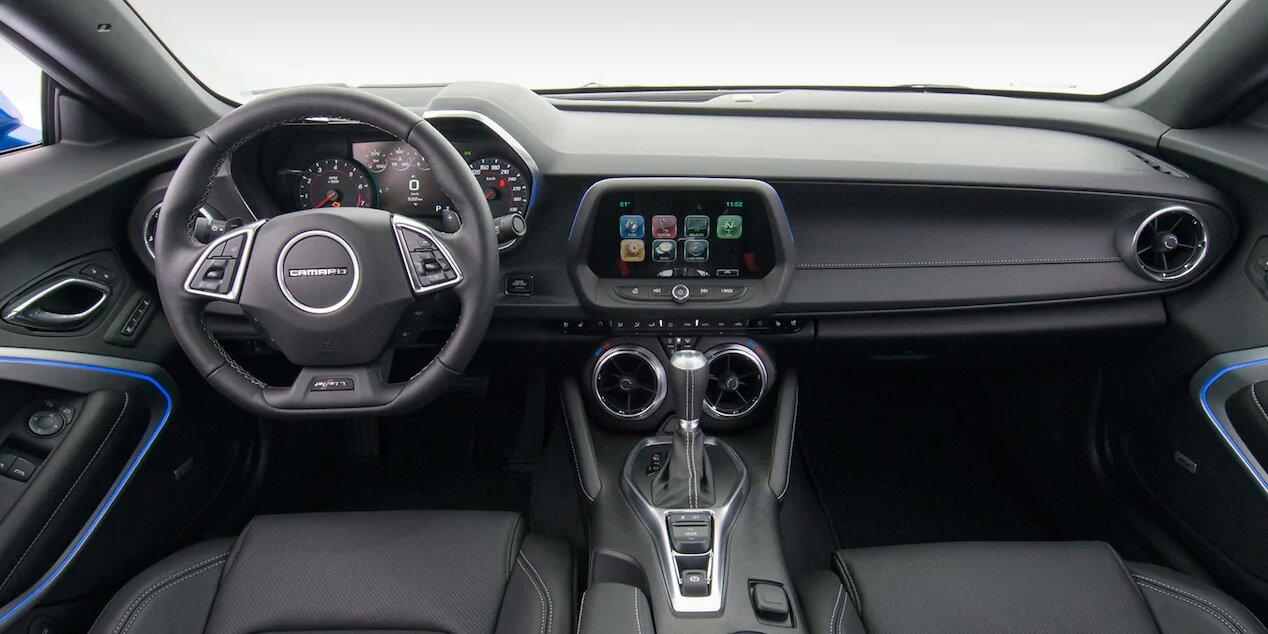 interior-painel-camaro-cupe-2018-mov-design-01