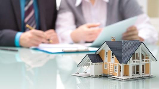 Cómo transferir una propiedad inmobiliaria en la República Dominicana