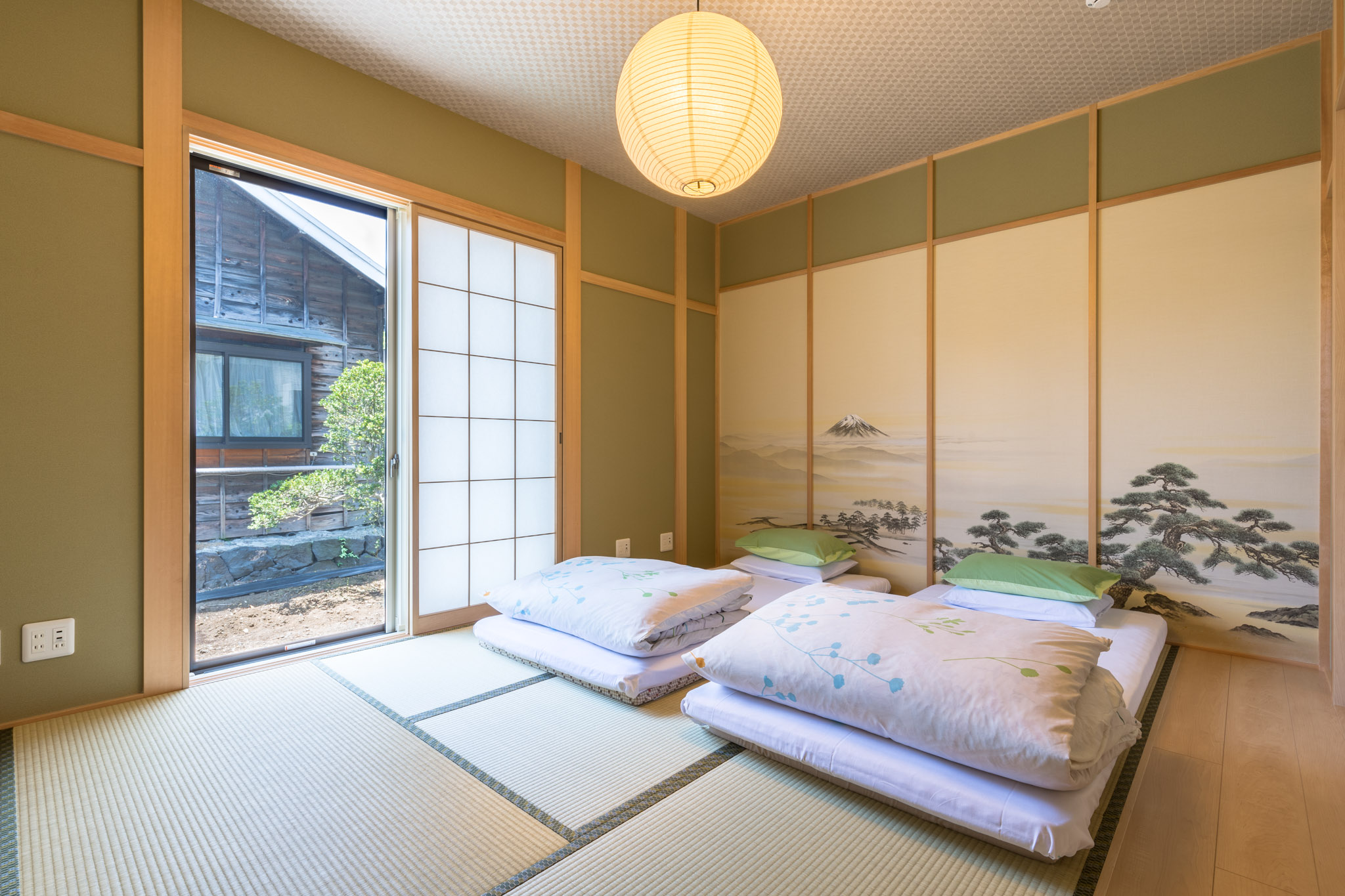 Picture of: Japanese Style Room With Shared Bathroom Maisan Chi Cafe Guesthouse