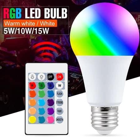 Melhor só mesmo dado! Lâmpada E27 LED RGB com comando a partir de 0,86€