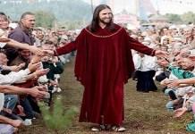 Homem diz ser Jesus Cristo e arrasta multidões de fiéis na Rússia