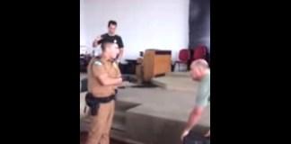 Policiais confiscam som em igreja evangélica