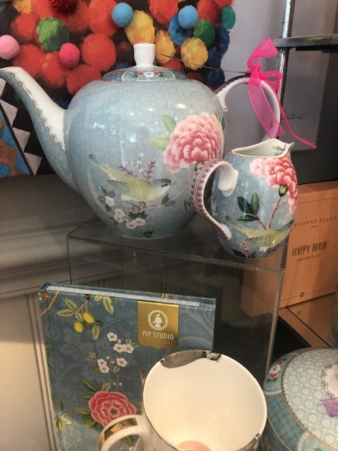 Blushing Birds Teapot & Jug Set