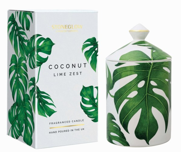Zingy lime and tropical coconut enliven and lift. Delicate violet leaf brings a floral subtlety whilst warm, sensuous vanilla and tonka bean give a depth and mellowness to this fragrance.