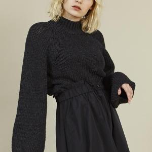 Cropped Knitwear in Black