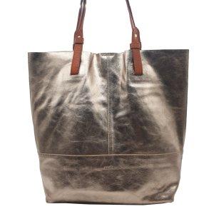 Vega Metallic Leather Shopper in Gold