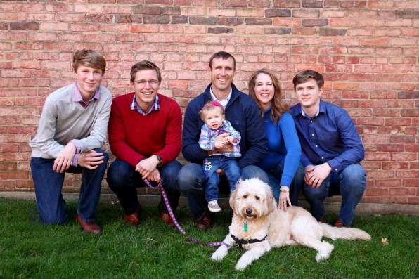 A Guide to Posing Your Family Photos