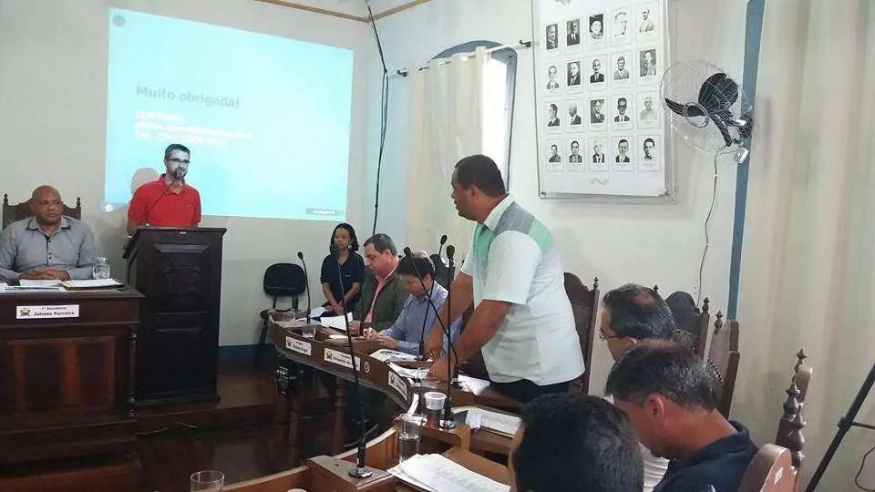 Foto: Funcionários da Saarco na tribuna durante reunião da Câmara Municipal de Ouro Preto (Página Justiça Sim Desemprego não)