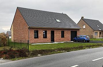 Maison traditionnelle en brique